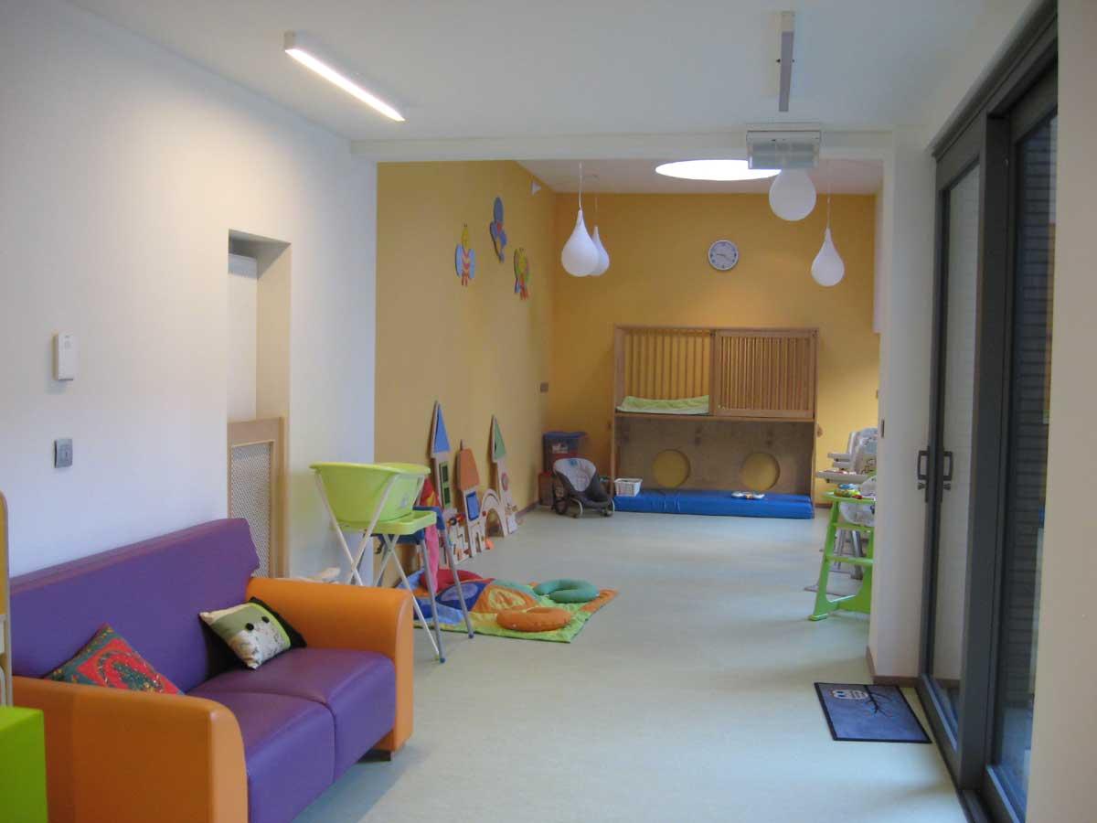 Leefruimte baby'tjes Kinderdagverblijf Chipollino - Kinderopvang centraal in Antwerpen bij Rooseveltplaats. Groepsopvang, mini-creche, met wasbare luiers.