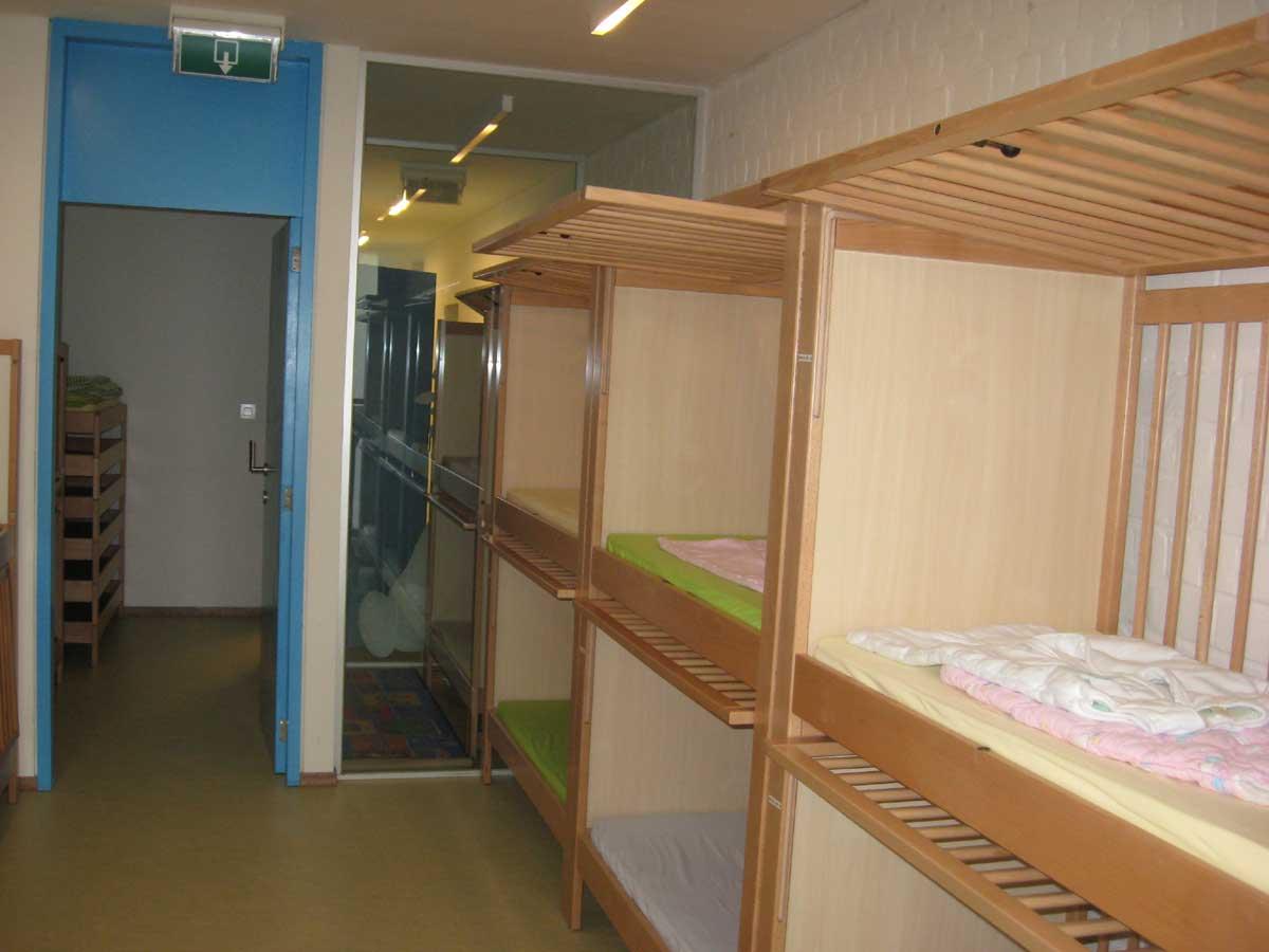 Slaapruimte Kinderdagverblijf Chipollino - Kinderopvang centraal in Antwerpen bij Rooseveltplaats. Groepsopvang, mini-creche, met herbruikbare luiers.